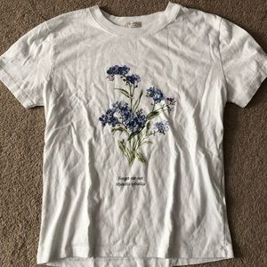 Brandy Melville flower t-shirt